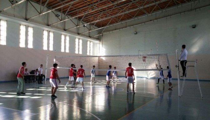 Okullar arası Voleybol turnuvası başladı