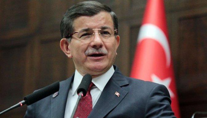 Başbakan Davutoğlu Cuma namazını Hacı Bayram Camii'nde kıldı!