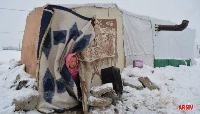 1 aylık Suriyeli bebek soğuktan öldü!