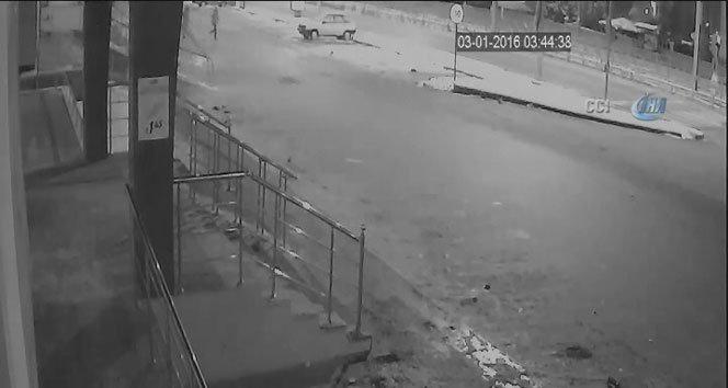 Çelik kasa hırsızları kamerada!