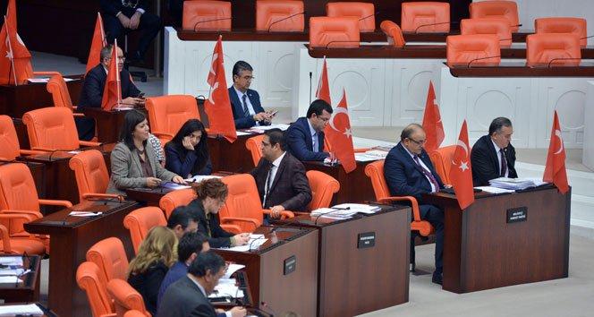 MHP'den meclis'te Türk bayraklı tepki!