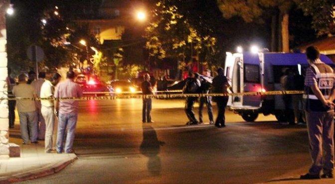 Belediye önünde bomba paniği!..