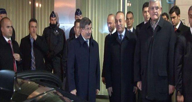 Davutoğlu Merkel ve Rutte ile 6 saat görüştü!