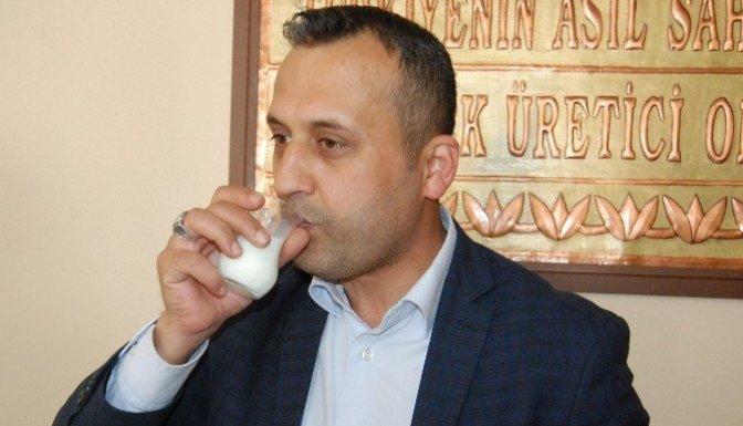 Ziraat Odası misafirlere çay yerine süt ikram ediyor