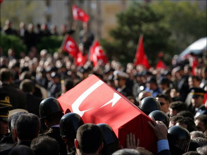 Şehit polisini cenazesi babaevine getirildi!