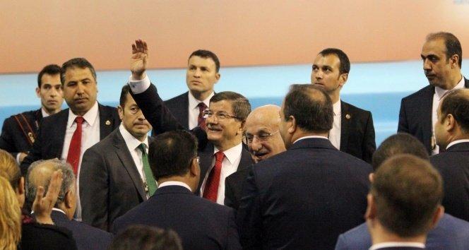Davutoğlu: 'Küfür ateşine karşı iman aşkı'!