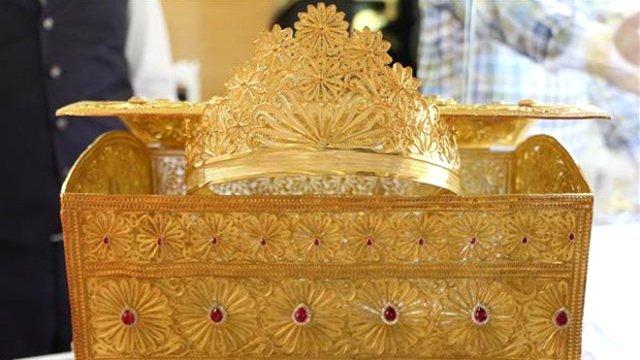 Mücevher Sandık 270 Bin Dolara satıldı