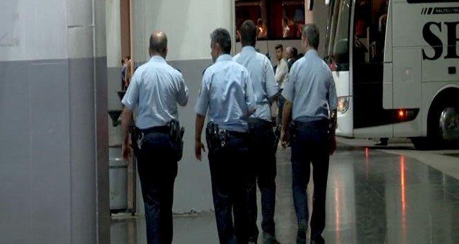 Seri katil İzmir Otogarı'nda ihbarı polisi alarma geçirdi!