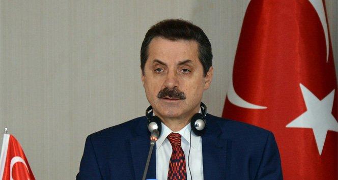 Bakan Faruk Çelik: 'Toprağın siyaseti olmaz'!