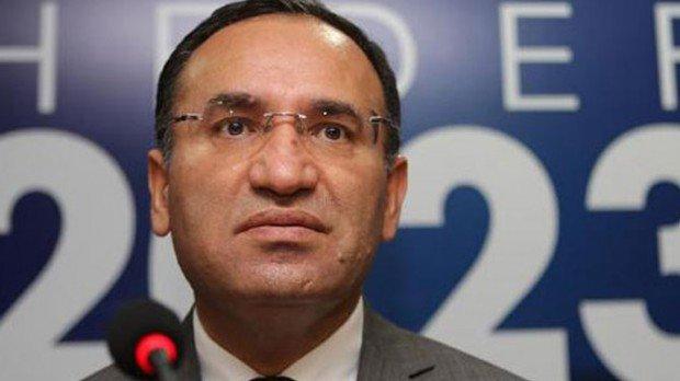 Bakan Bozdağ ile CHP milletvekilleri arasında tartışma!