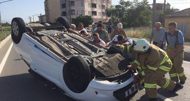 Bisiklete çarpan otomobil takla attı: 2 yaralı!