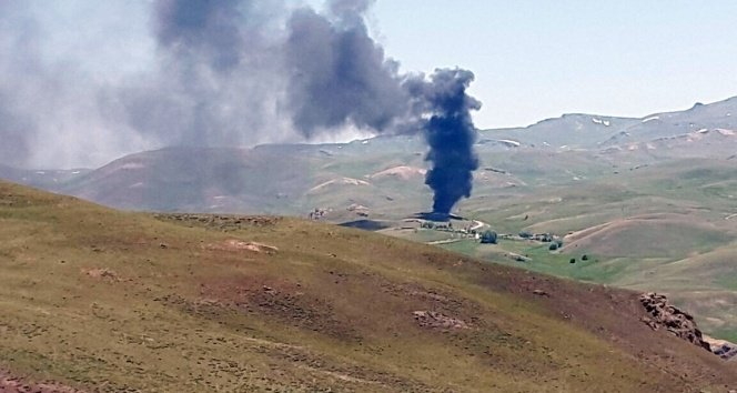 Hainler araçları yaktı: 25 kişiden haber alınamıyor!