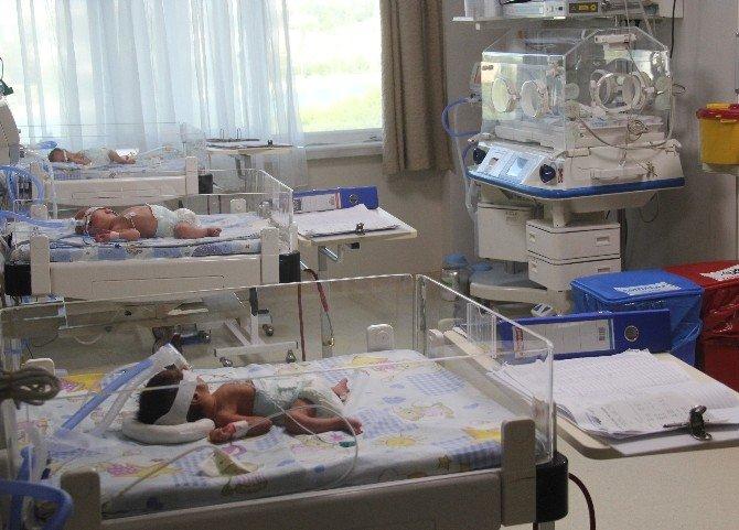 İşsiz Aileye Dördüz Bebek Sürprizi
