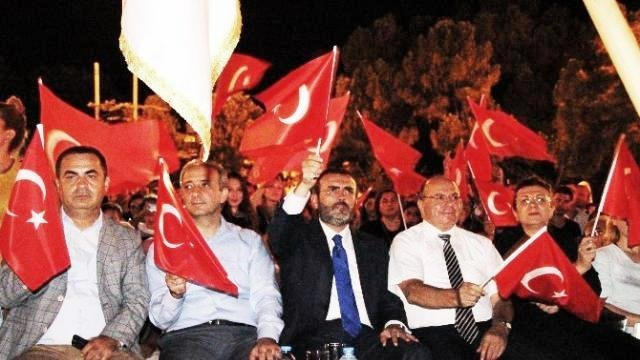 Mahir Ünal, 'Atatürk de bizim Kur'an da bizim'