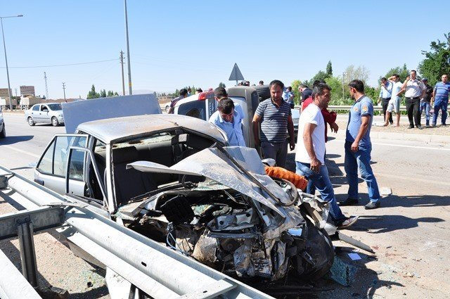 Kahramanmaraş'ta Trafik Kazası: 4 Yaralı!
