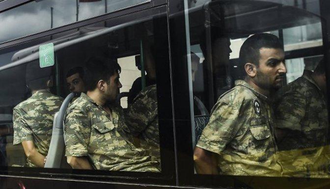 İstanbul'da tutuklu 758 er serbest bırakıldı!