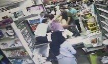 10 yaşındaki kızının yanında saldırıya uğradı!
