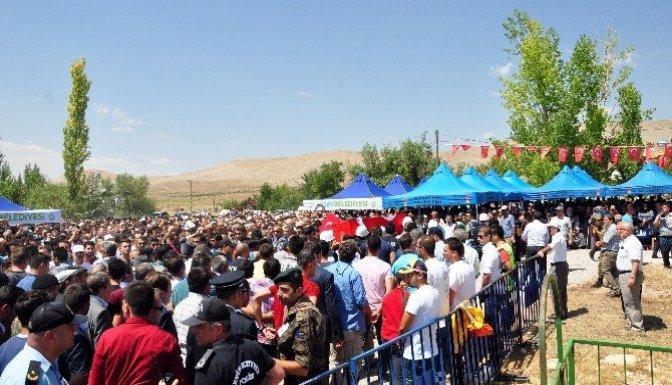 Şehit Polis memuru dualarla uğurlandı