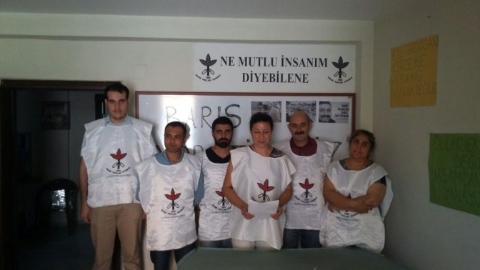 İnsan Hakları Derneği Barış Nöbetinde!