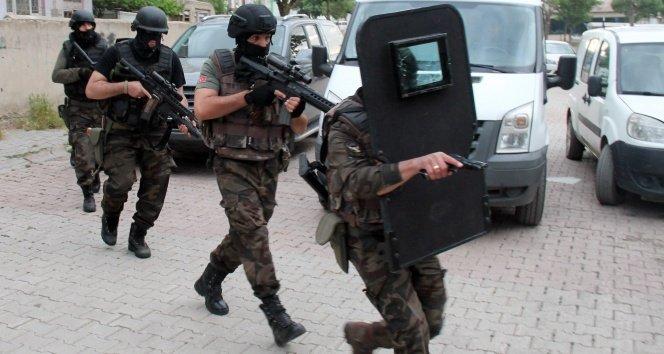 TSK ve MİT'te FETÖ operasyonu: 26 gözaltı!