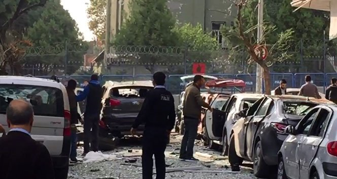 İstanbul'da patlama: 10 yaralı!