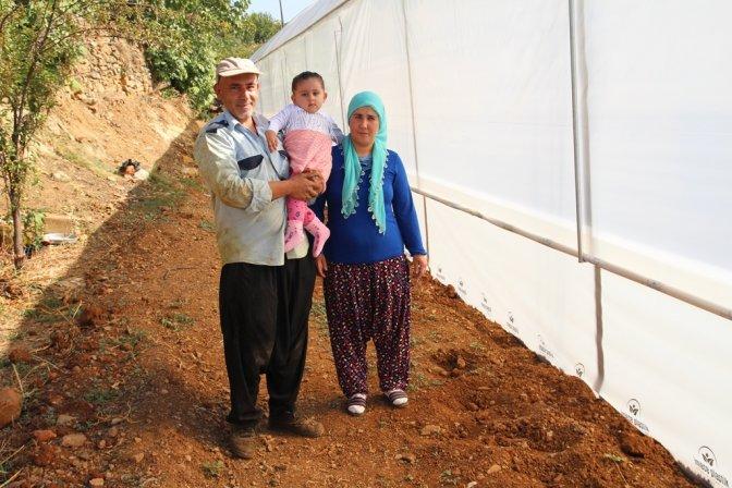 Genç Bayan Çiftçi hibe desteği ile sera kurdu