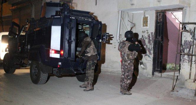 Şafak vakti DAEŞ operasyonu: 14 gözaltı!