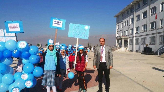 İlkokul öğrencileri Diyabet için yürüdü!