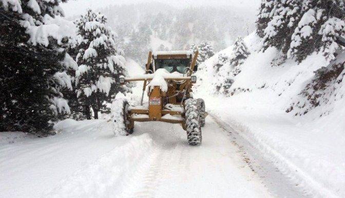 Kar yağışı Kahramanmaraş'ta hayatı olumsuz etkiledi