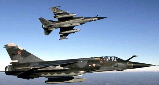 Türk jetleri PKK'nın elebaşlarını vurdu!