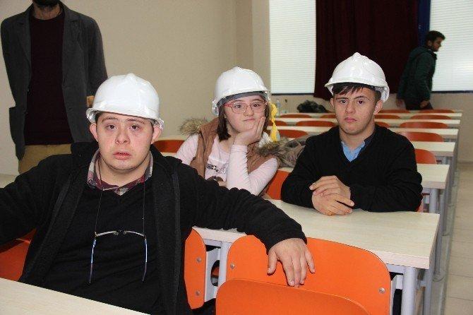 Bir günde üniversiteyi bitirerek inşaat mühendisi oldular!