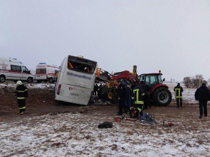 Kayseri yolunda 2 Otobüs Devrildi: 31 Yaralı!