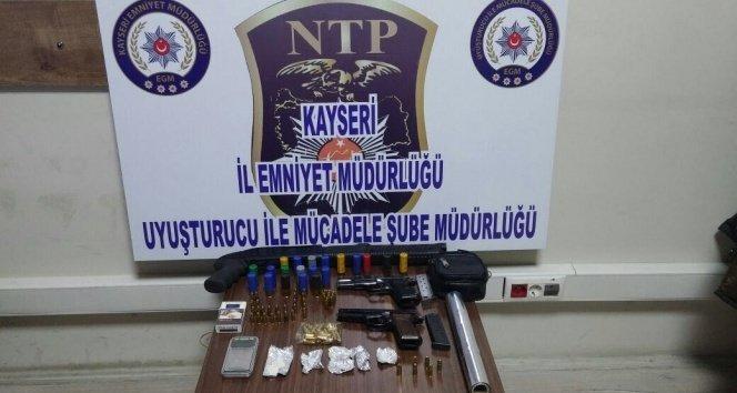 Kayseri'de Uyuşturucu Operasyonu: 9 Gözaltı!