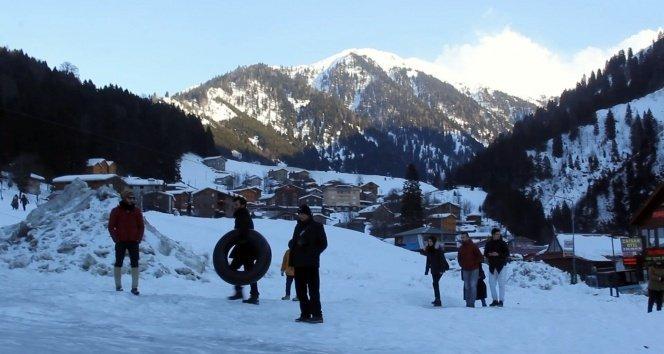 Ayder'de şambrel ile kayak keyfi!