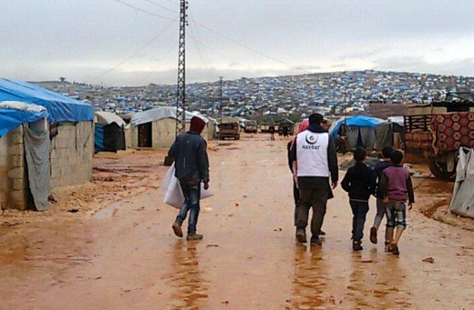 Yardımlar Halep ve Cerablus'ta dağıtılıyor