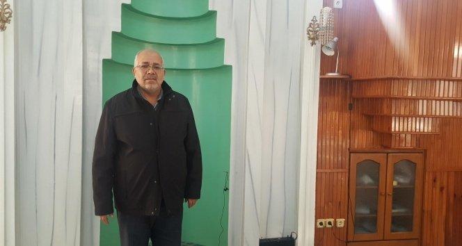Namaz kılarken kalp krizi geçiren adamı cami imamı kurtardı!