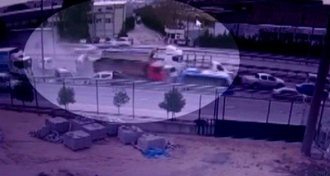 Araçları biçen kamyon dehşeti kamerada!