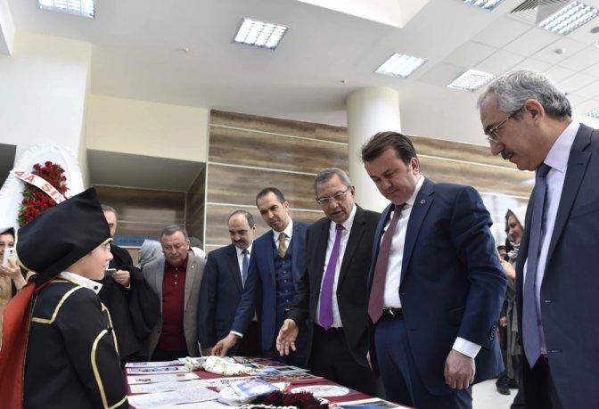 Türkiye'nin 81 ilinden gelen el işleri sergisi açıldı!