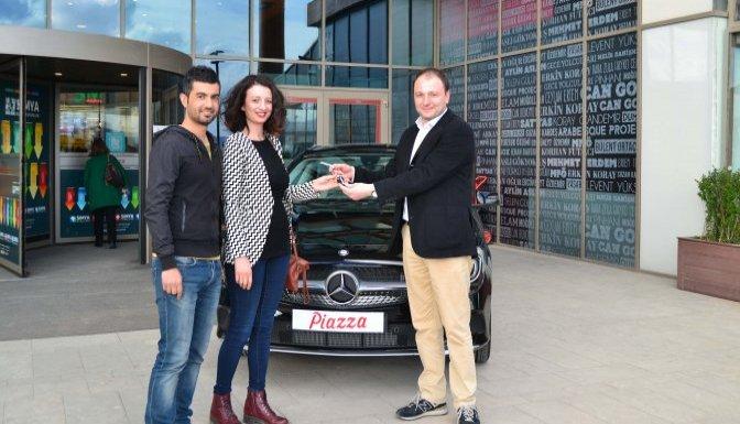 Piazza'nın Mercedes Hediyesi Sahibine Teslim Edildi