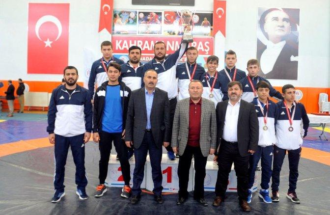 Büyükşehir Yıldızlar Güreş Takımı Türkiye Şampiyonu