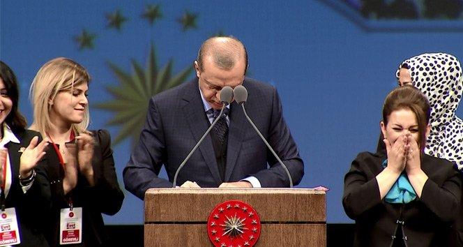 Erdoğan müjdeyi verdi, imzayı kürsüde attı!