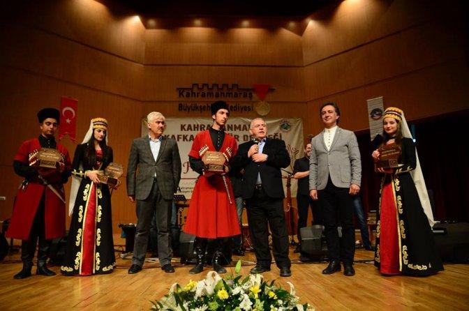Kafkas müzik topluluğu 'HATTİ' konser verdi!