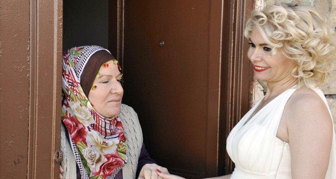 Mardin'in Marilyn'i kolları 'Evet' için sıvadı!