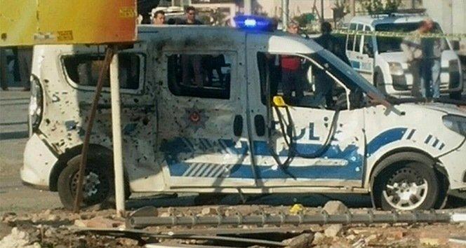 Mersin'de polise bombalı saldırı: 2 yaralı!
