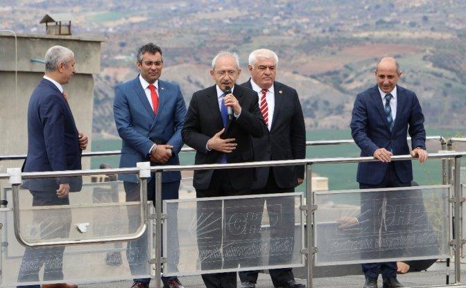Kılıçdaroğlu, Dokuyucu'nun Ailesini Ziyaret Etti!