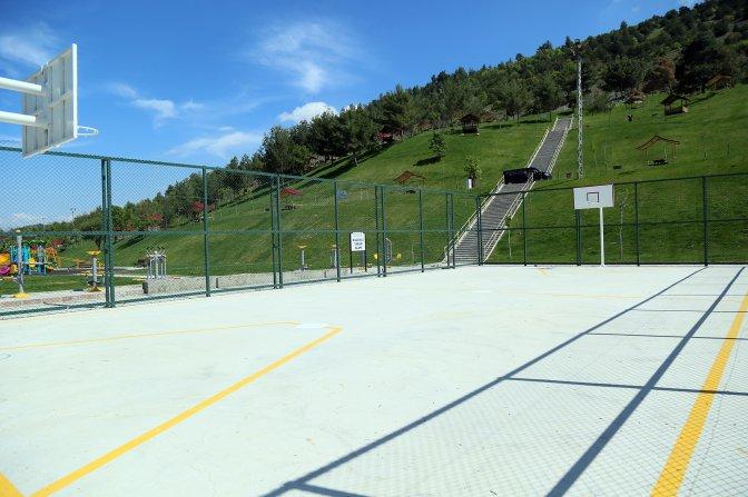 Menzelet Mesire alanına 3 spor sahası yapılıyor