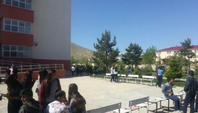 Afşin'de Öğrenciler Deprem Paniği Yaşadı