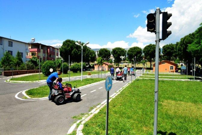 Geleceğin duyarlı sürücülerine trafik eğitimi