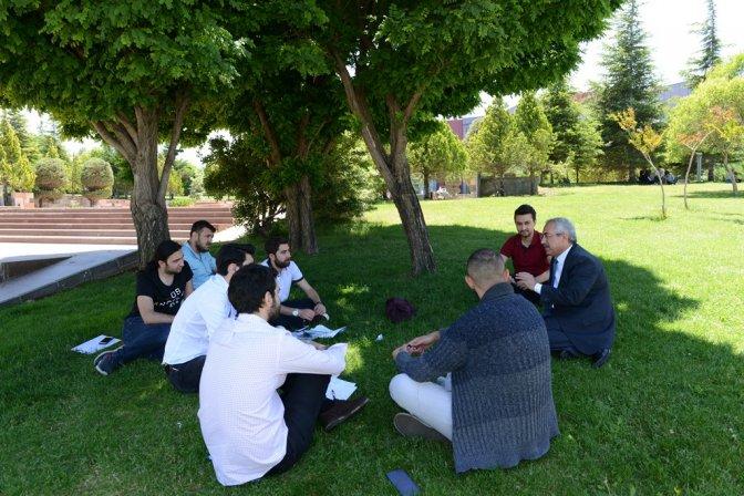 TRT Haber 'Gönüllü Elçiler'i KSÜ'ye konuk oldu