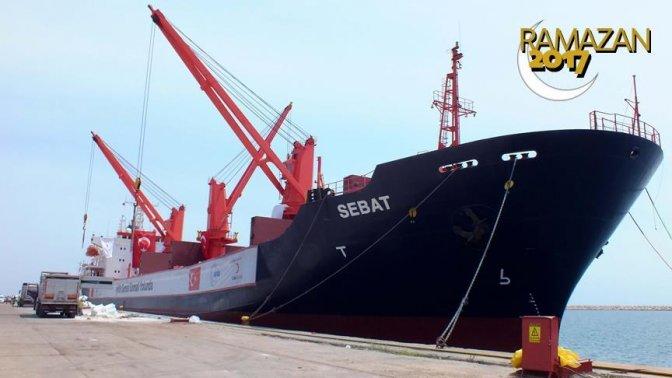 Türkiye'den Somali'ye gıda yardım gemisi